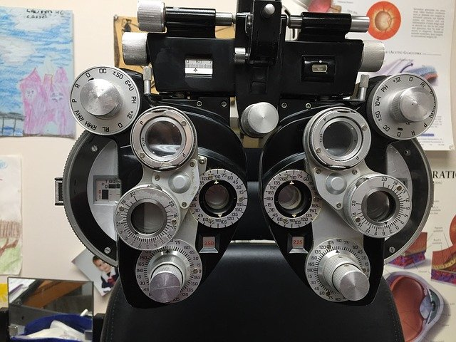 adult eye tests